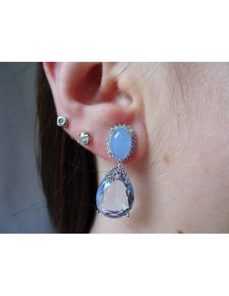 Pendientes colgantes con pedrería azul y circonitas en plata de ley